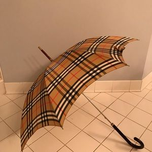 Burberry wood handle Authentic vintage umbrella
